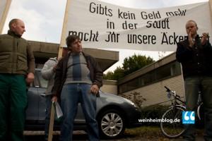 Weinheimer Bürger und Landwirte demonstrierten gegen die Ausweisung der Breitwiesen.