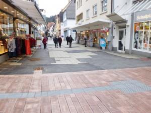 Ein Vergleich der alten und neuen Weinheimer Fußgängerzone. (Bild: Stadt Weinheim, Roland Kern)